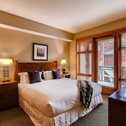 Capitol Peak Lodge by Snowmass Mountain Lodging