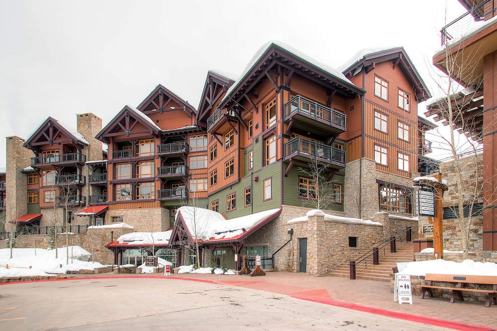 black single men in snowmass village Two young adults living in the club commons employee-housing complex in snowmass village face several felony and misdemeanor charges involving burglary, theft and trespassing stemming from a slew of apartment and vehicle break-ins that allegedly occurred early friday morning.