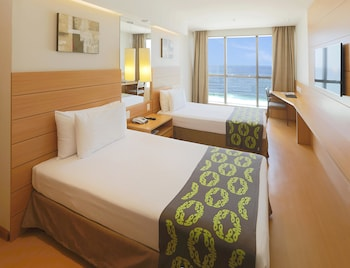Deluxe Double Room, Sea View - Guestroom