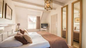 Een kluis op de kamer, een bureau, extra bedden, gratis wifi