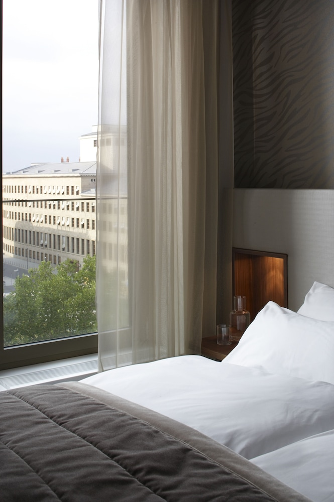 cosmo hotel berlin mitte deals reviews berlin deu wotif. Black Bedroom Furniture Sets. Home Design Ideas
