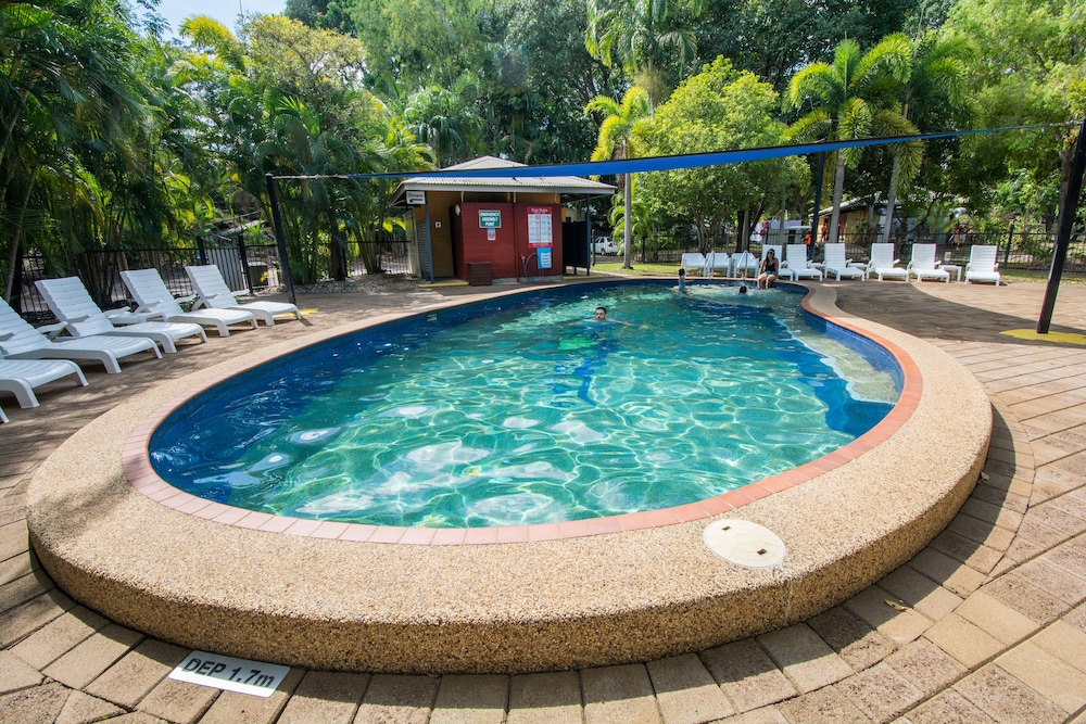 Outdoor Pool, Hidden Valley Holiday Park