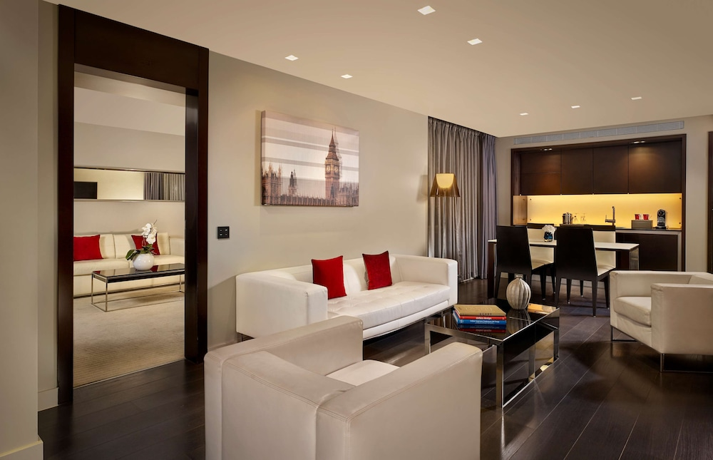 Living Area, Park Plaza Westminster Bridge London