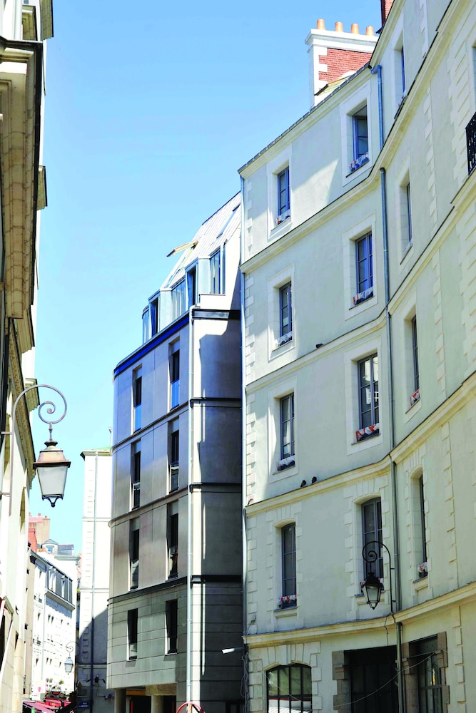 Appart city confort nantes centre in nantes hotel rates for Appart hotel nantes