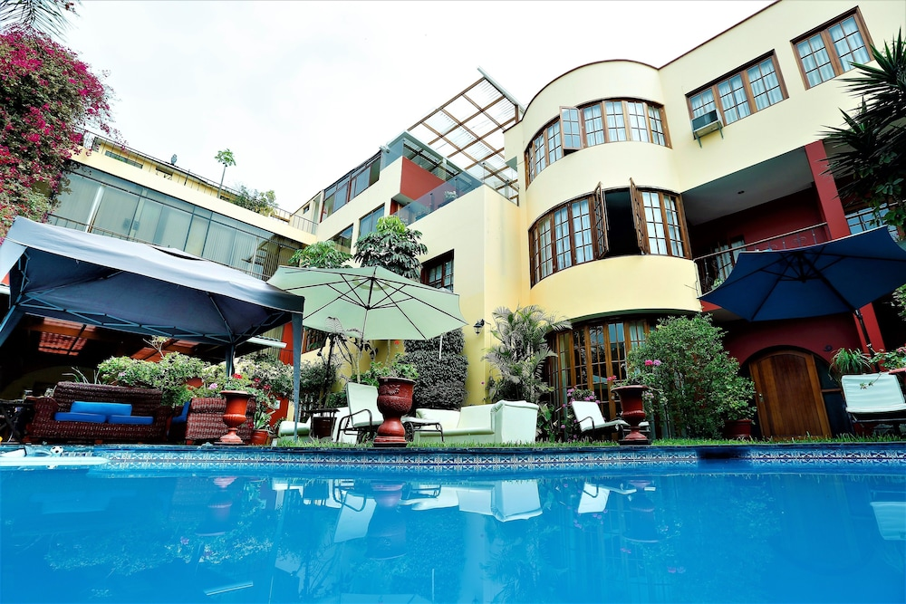 Peru star boutique apartments hotel deals reviews lima for Boutique hotel offers