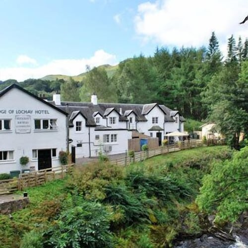 Bridge of Lochay Hotel