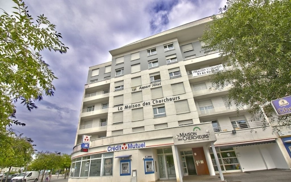 Appart 39 h tel la maison des chercheurs deals reviews for Appart hotel nancy