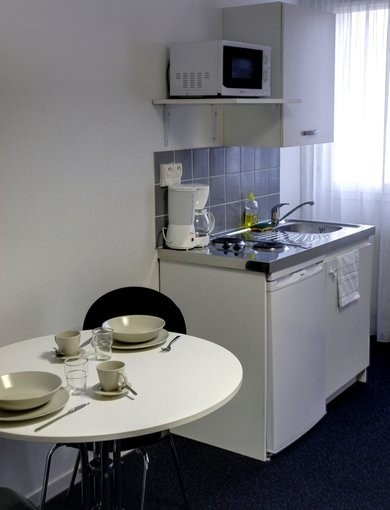 Private Kitchenette, Kosy Appart'Hôtels le Cours Moreau