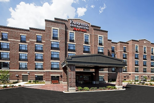 Great Place to stay Fairfield Inn & Suites by Marriott South Bend at Notre Dame near South Bend