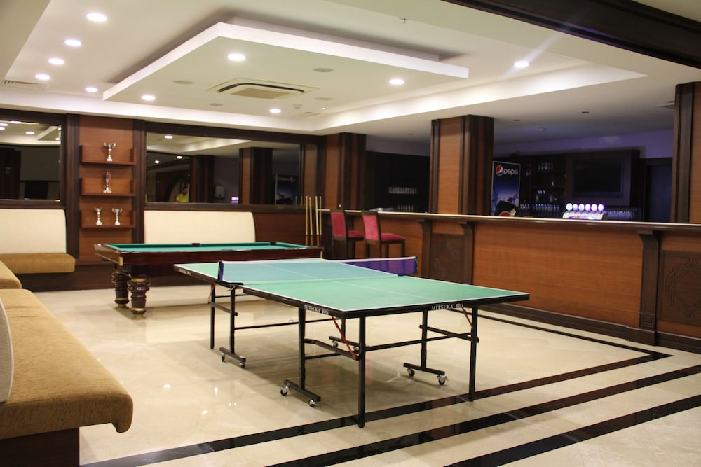 Billiards, Crowne Plaza Hotel Antalya