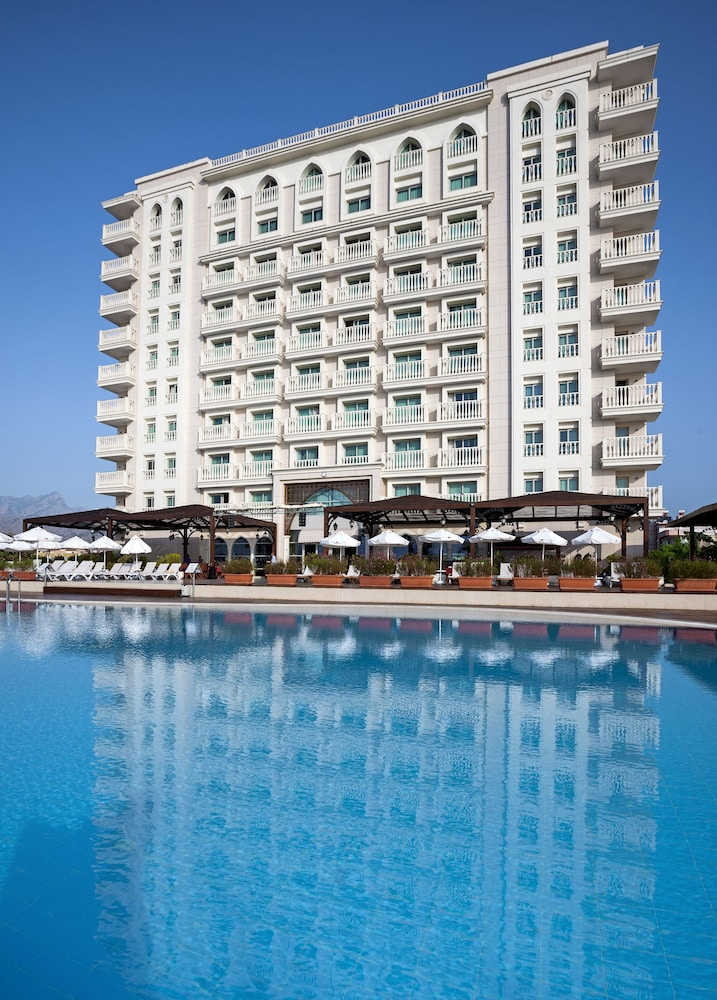 Outdoor Pool, Crowne Plaza Hotel Antalya