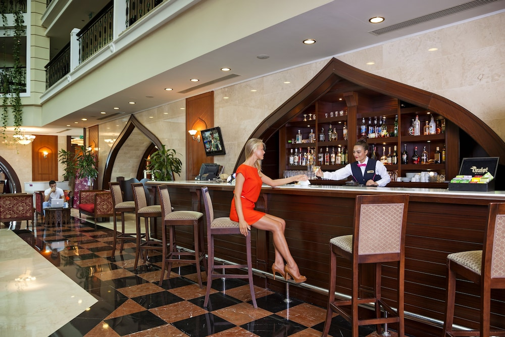 Bar, Crowne Plaza Hotel Antalya