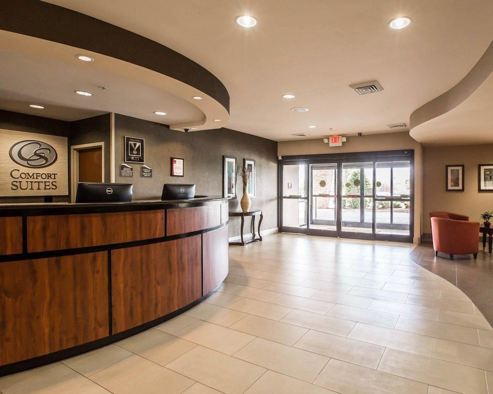 Lobby, Comfort Suites Whitsett - Greensboro East