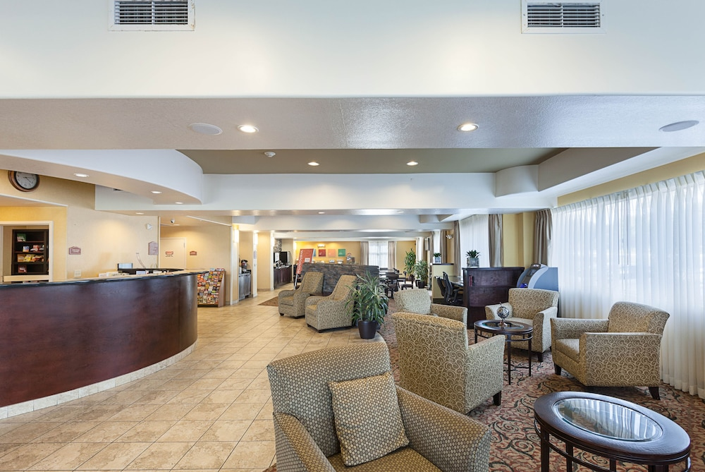 Comfort Suites Medical Center Near Six Flags In San