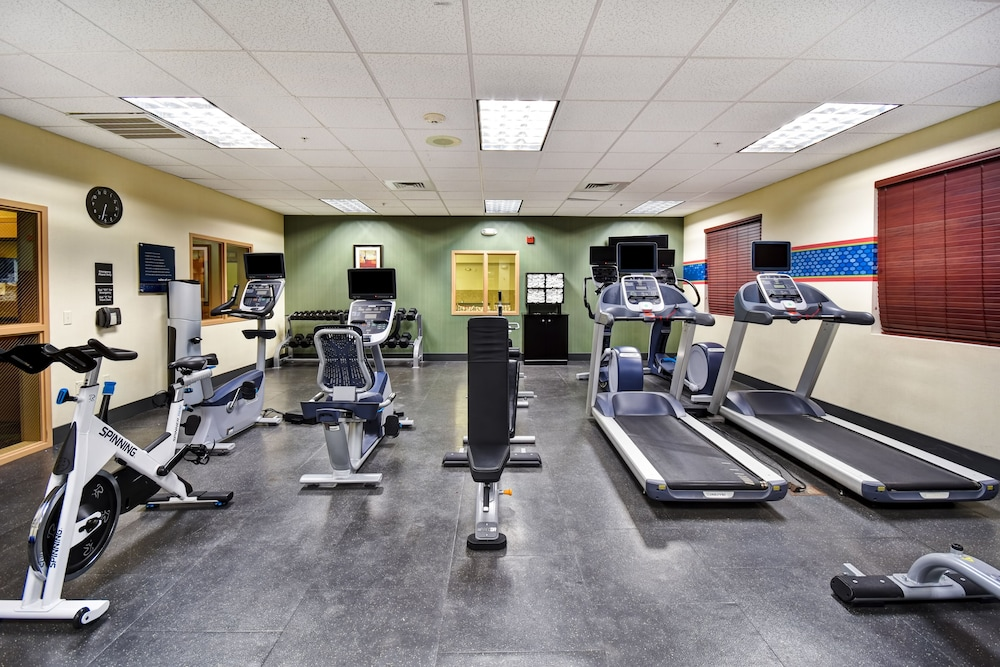 Fitness Facility, Hampton Inn and Suites Folsom