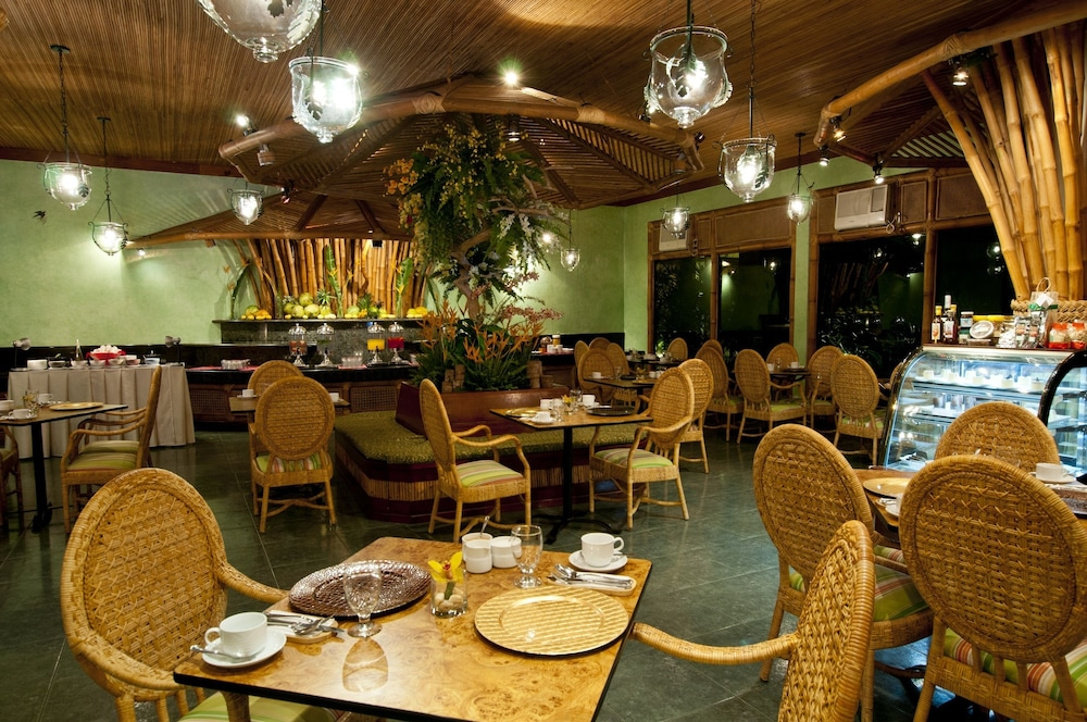 Dining, The Legend Palawan