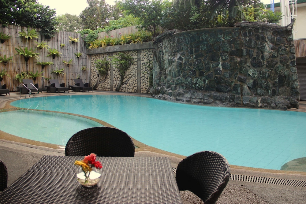 Outdoor Pool, The Legend Palawan