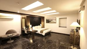 Free minibar, desk, iron/ironing board, rollaway beds