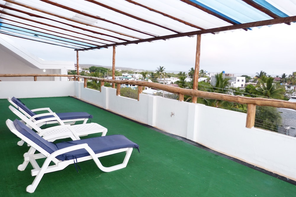 Sundeck, Galapagos Islands Hotel