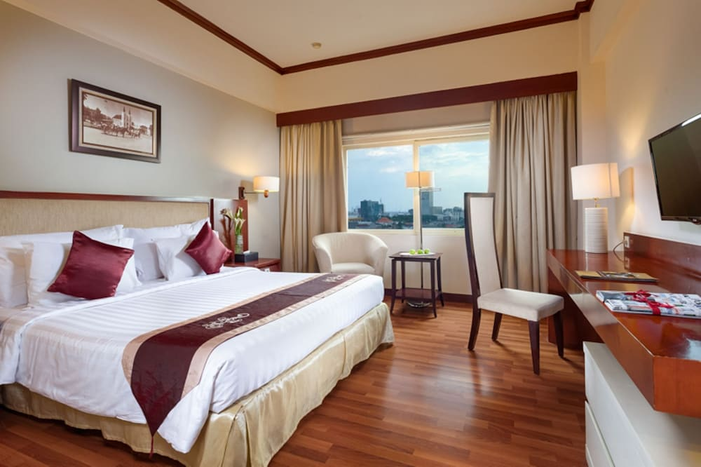 Aerial View Featured Image Guestroom ...