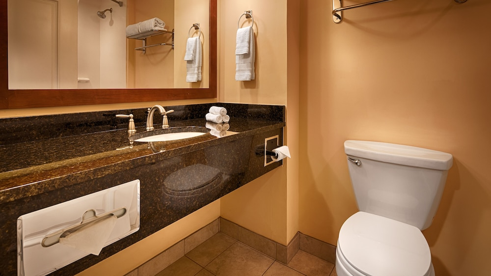 Deep Soaking Bathtub, Best Western Plus Westgate Inn & Suites