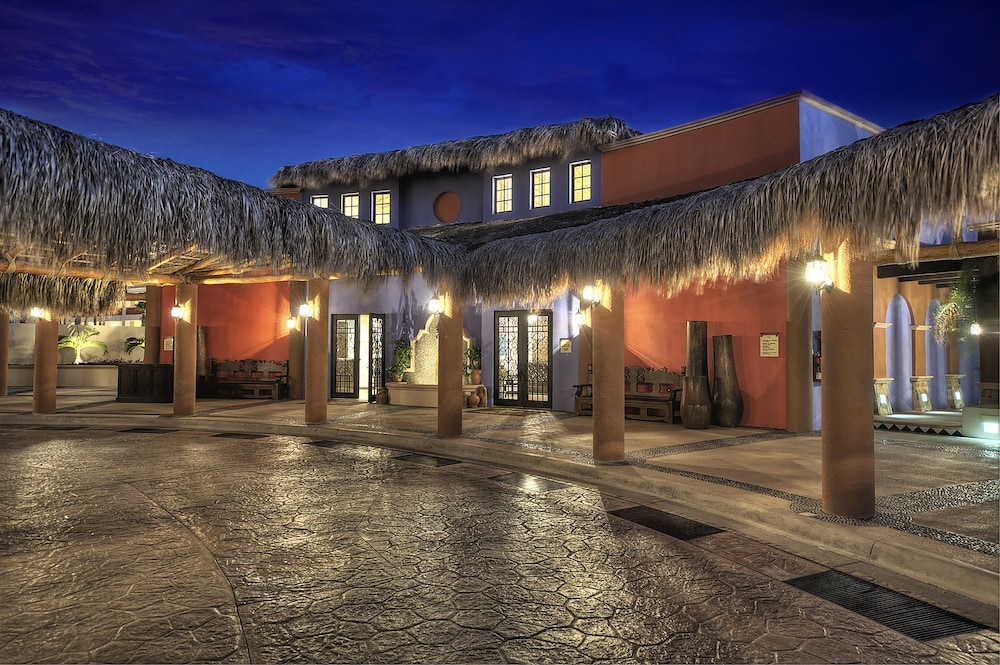 Front of Property - Evening/Night, Welk Resorts Sirena del Mar