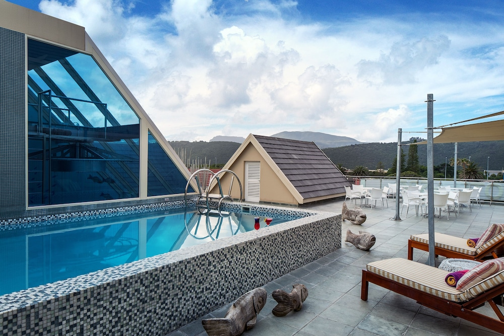 Rooftop Pool, Views Boutique Hotel & Spa
