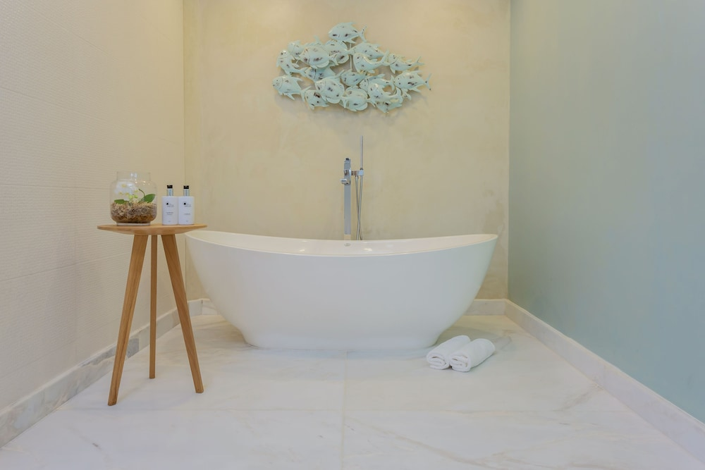 Deep Soaking Bathtub, Views Boutique Hotel & Spa