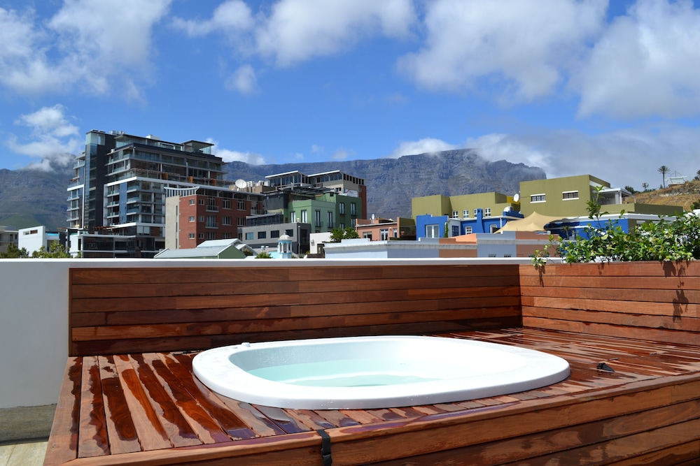 Cottage, 4 Bedrooms, Terrace, City View (76 Waterkant Street 2 night min stay) - Indoor Spa Tub