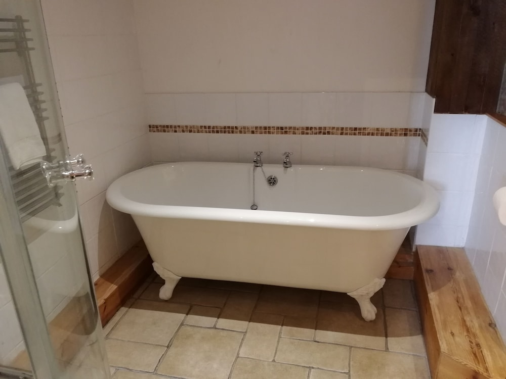 Deep Soaking Bathtub, Broomhall Castle