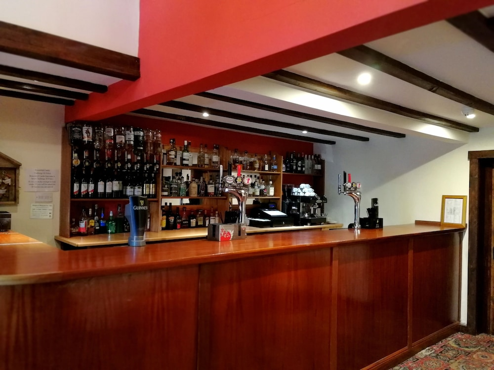 Bar, Broomhall Castle