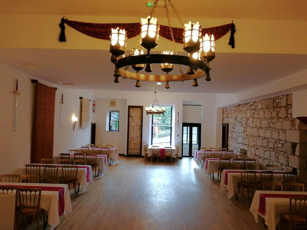 Restaurant, Broomhall Castle