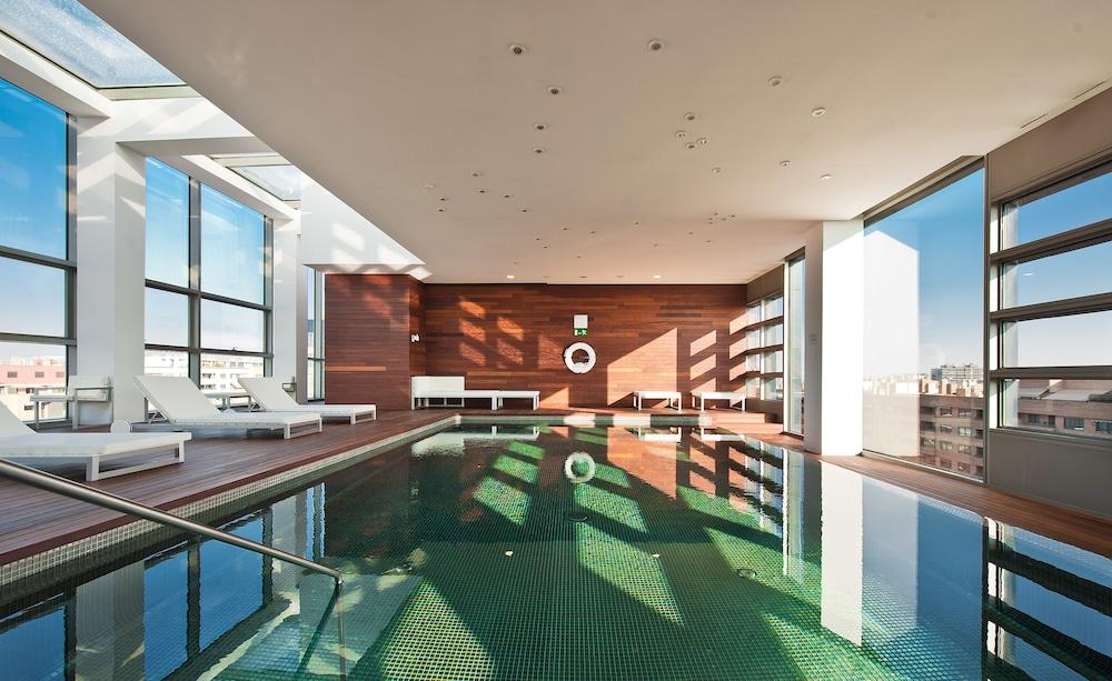 Reina petronila reviews photos rates for Luxury hotel zaragoza