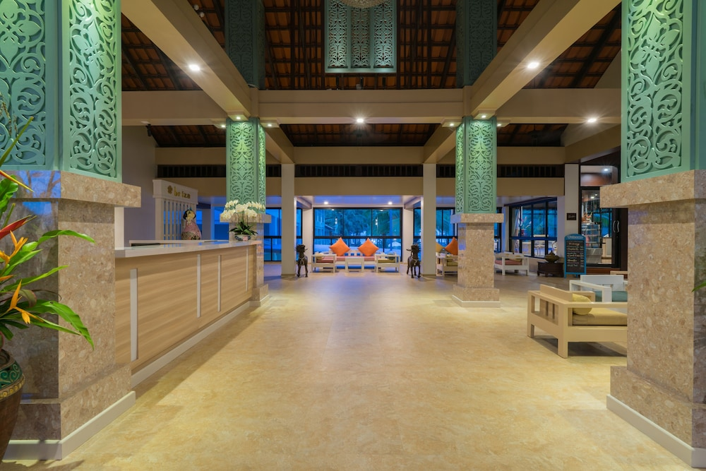 Interior Entrance, The Briza Beach Resort Khaolak