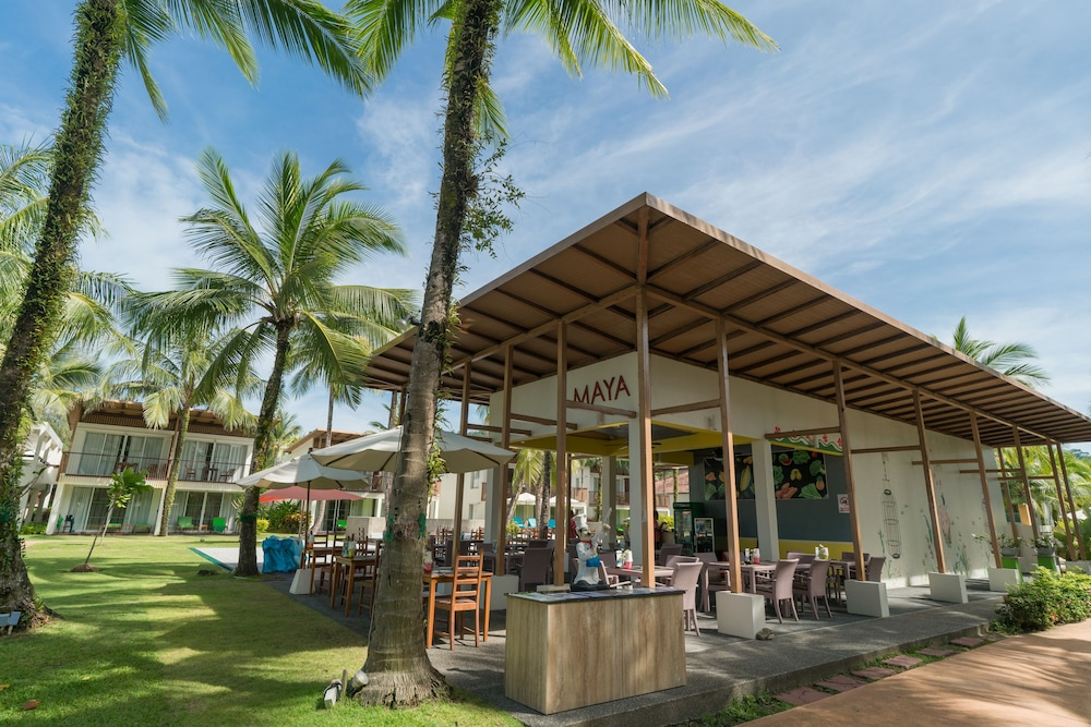 Restaurant, The Briza Beach Resort Khaolak
