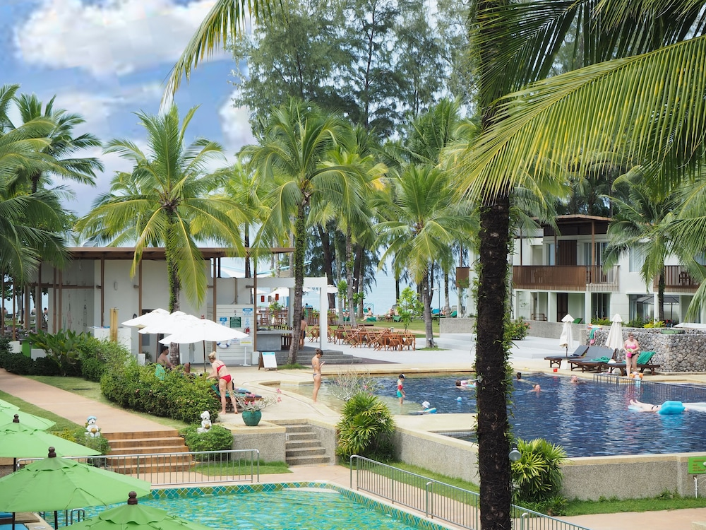 Pool, The Briza Beach Resort Khaolak