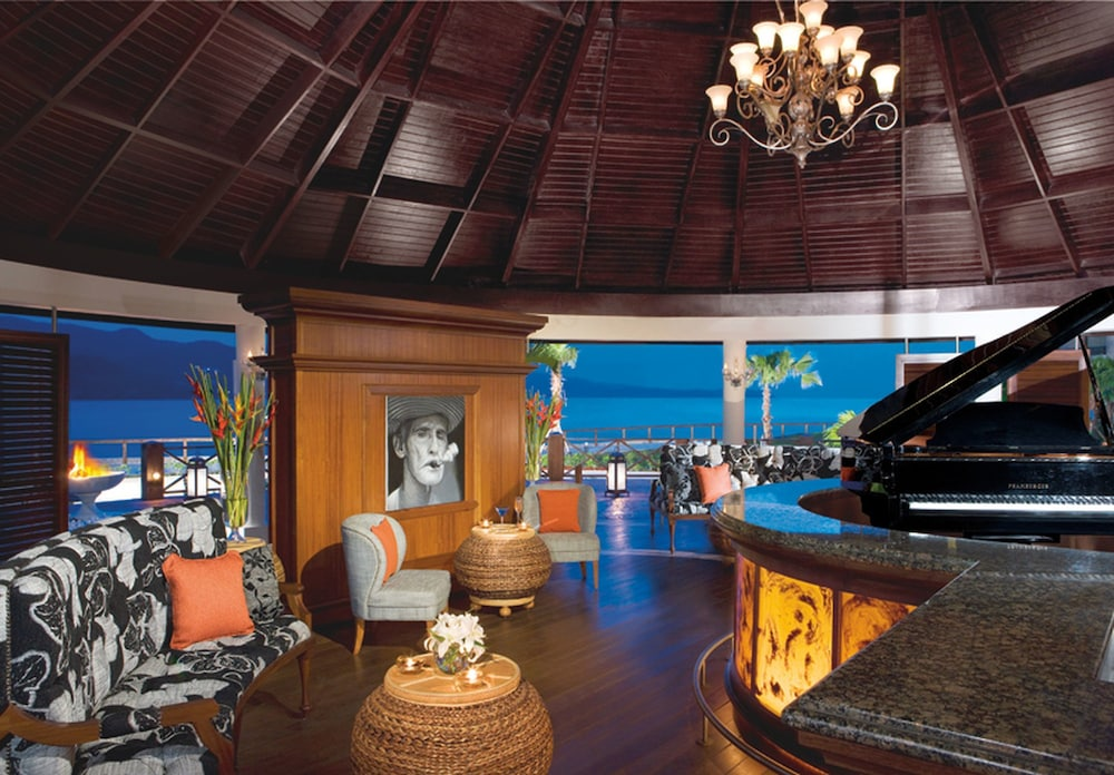 Lounge, Secrets St. James Montego Bay - Luxury – All Inclusive
