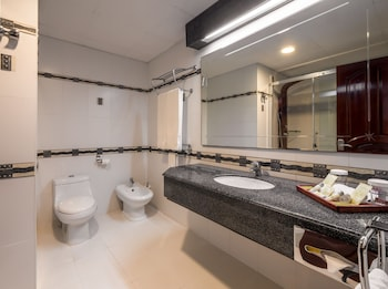 DoubleTree by Hilton Dar es Salaam - Oyster Bay - Reviews