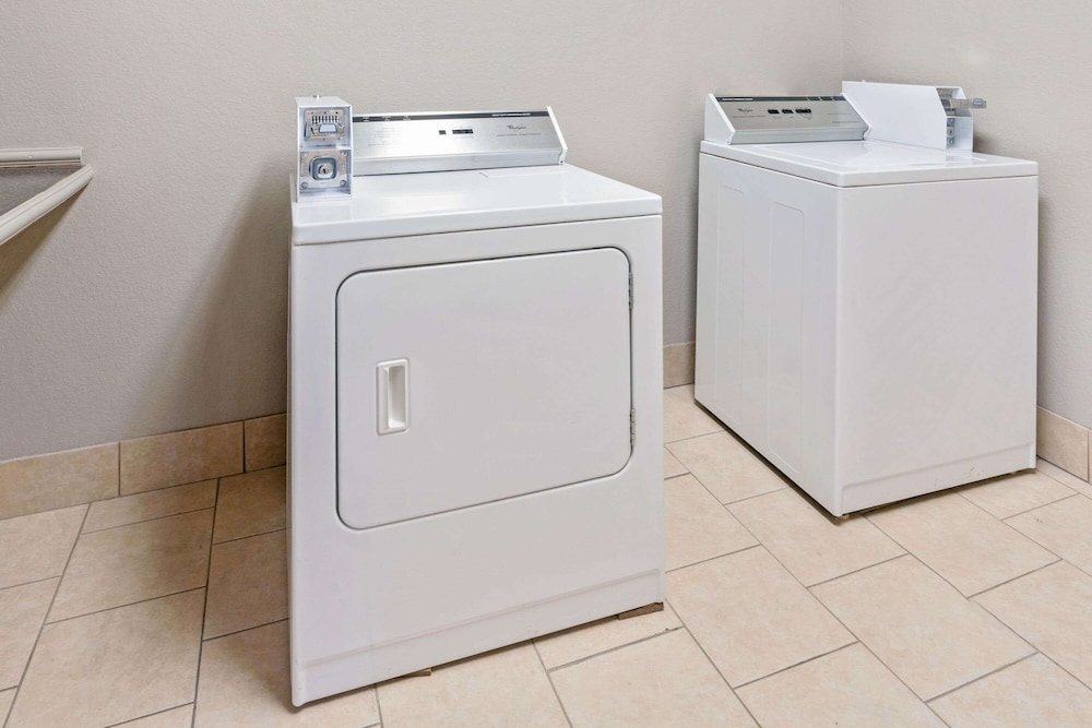 Laundry Room, La Quinta Inn & Suites by Wyndham Ada