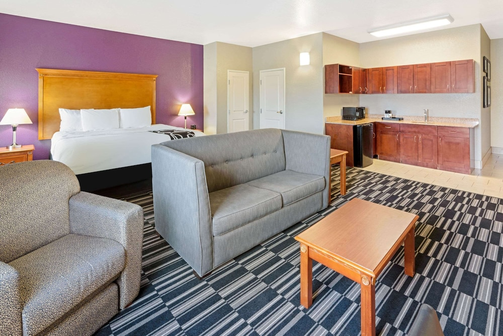 Room, La Quinta Inn & Suites by Wyndham Ada