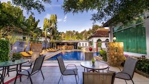 3 個室外泳池;07:00 至 21:30 開放;免費小屋、躺椅