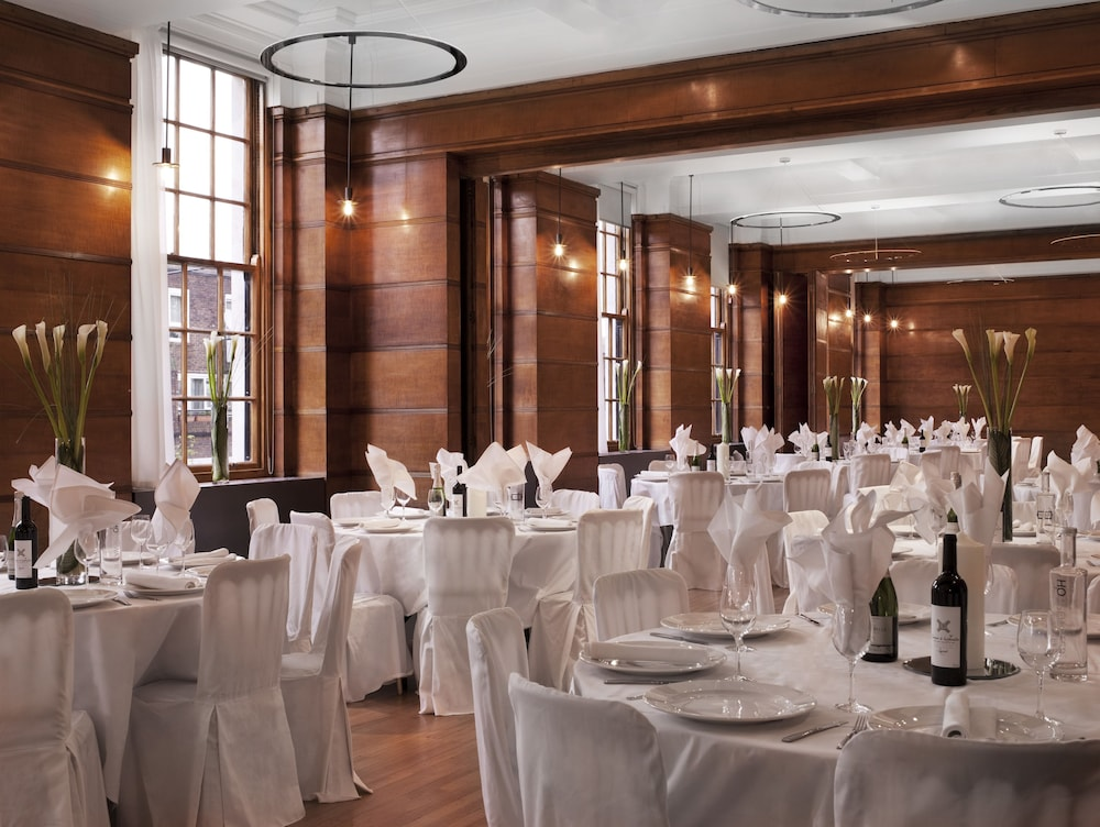 Banquet Hall, Town Hall Hotel & Apartments