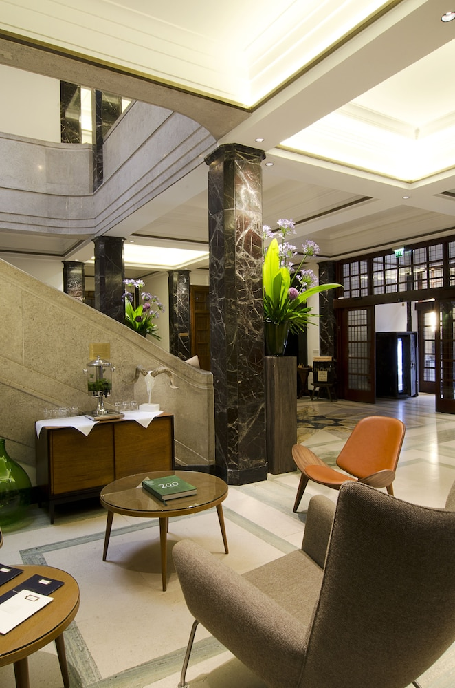 Lobby, Town Hall Hotel & Apartments