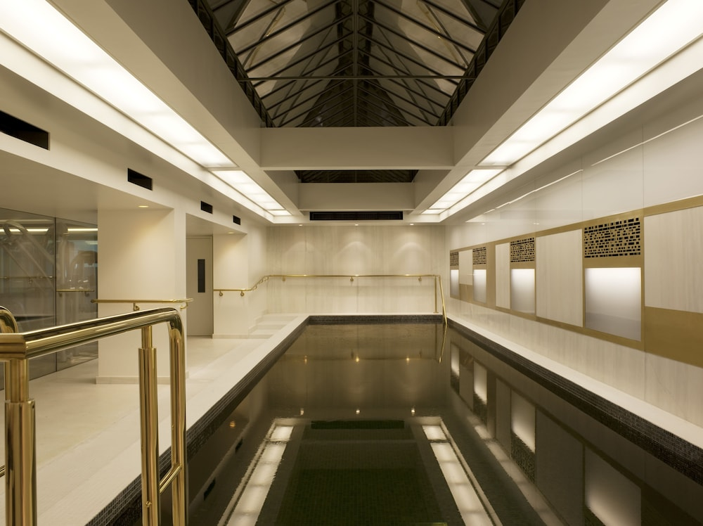 Indoor Pool, Town Hall Hotel & Apartments