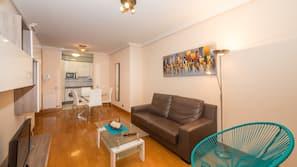 1 slaapkamer, een bureau, een strijkplank/strijkijzer, gratis babybedden