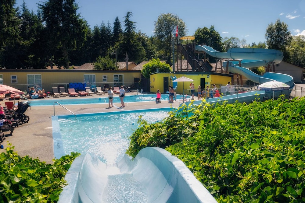 Waterslide, Riverside Resort Motel and Campground