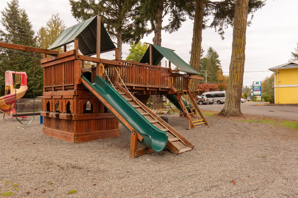 Children's Play Area - Indoor, Riverside Resort Motel and Campground