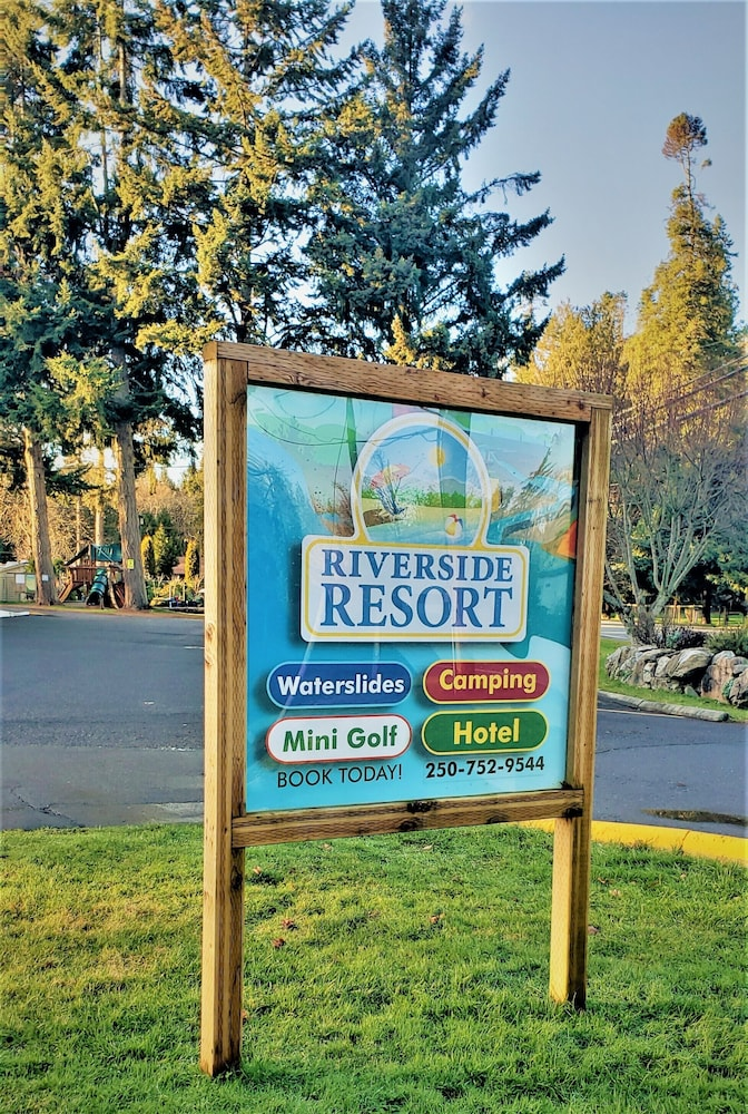 Front of Property, Riverside Resort Motel and Campground