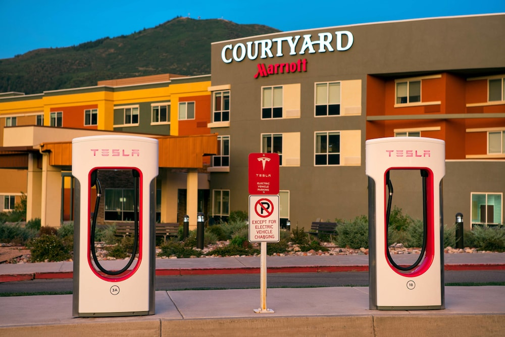 Property Grounds, Courtyard by Marriott Glenwood Springs
