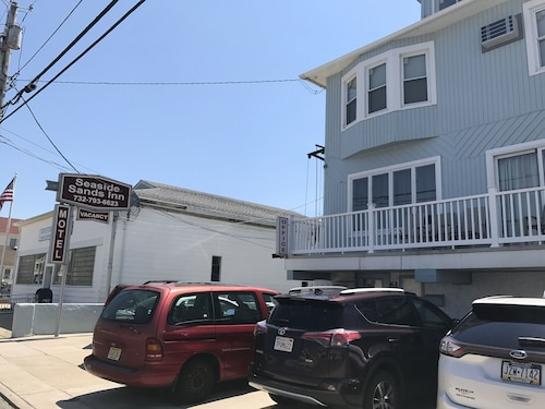 Seaside Sands Inn